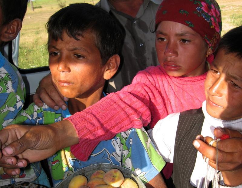 10sept2006_tajikchildren