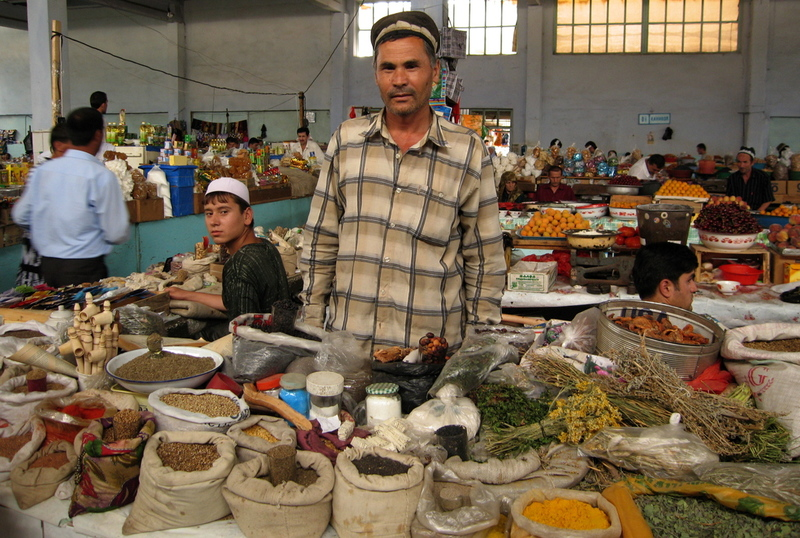 29aug2006_tajikmarket6_1